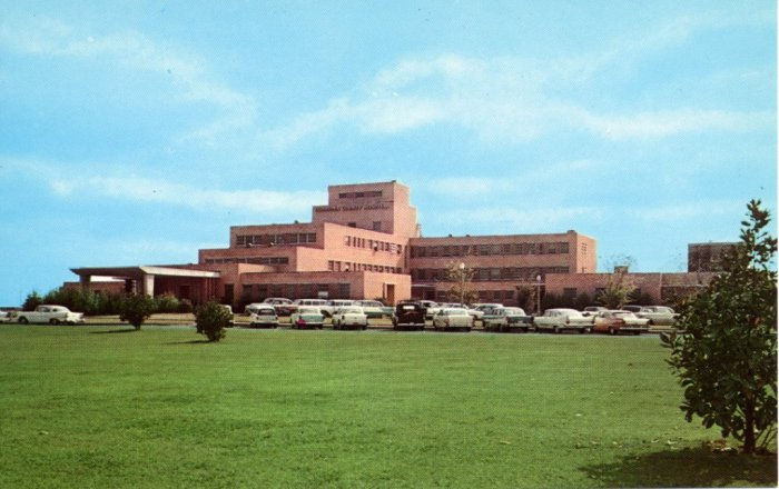 Coahoma County Hospital, Clarksdale (now Northwest Mississippi Medical Center), built 1951, designed by Gates and Birchett (the same Gates as above). This building also doesn't look much like this early postcard view--as I recall (and it's been a while), the windows have all been replaced and as with most hospitals there's many new additions that have lessened the impact of the original volumes.