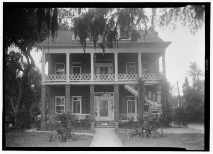 Historic American Buildings Survey James Butters, Photographer April 23, 1936 FRONT (SOUTH ELEVATION)