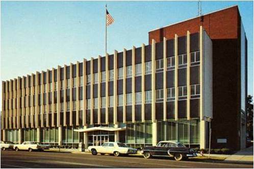 Tupelo Post Office, built 1963, architect unknown. Sorry to use yet another postcard image, but they're invaluable to show the original design of these buildings that have so often been changed.
