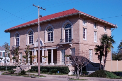 Prentiss Club, Natchez (1904-05, Soule & MacDonnell (New Orleans), archts. Listed on the National Register 1979.