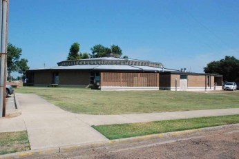 Vandiver Student Union, Mississippi Delta CC, Moorhead (Brewer, Skewes, Godbold, archts., Hill-McGowin, contractors). Demolished either in 2011 or 2012. One of the round Modern buildings featured in Modernism in the Mississippi Delta
