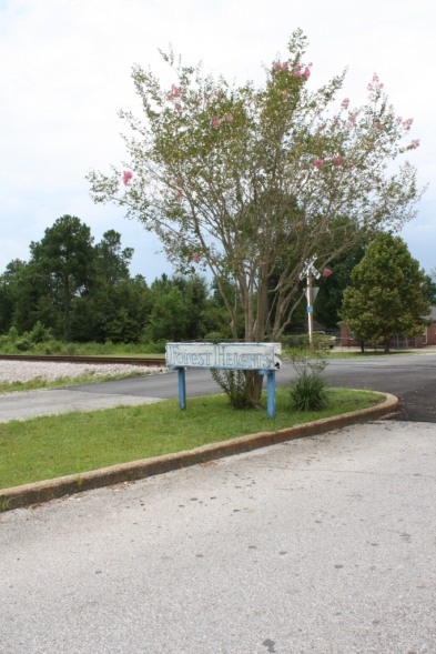 Forest Height Subdivision entrance sign on Russell Boulavard