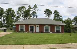 House on Orange Court, Forest Heights Subdivision. Gulfport Miss. Image made by author 7-22-2012
