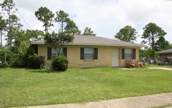 House on Holly Circle, Forest Heights Subdivision. Gulfport Miss. Image made by author 7-22-2012