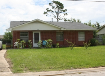 House on Walnut Court, Forest Heights Subdivision. Gulfport Miss. Image made by author 7-22-2012