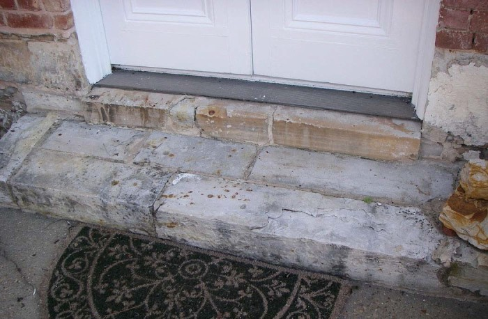 Figure 2. Catahoula sandstone steps and facing/foundation stones in a building on the Raymond town square. Picture (digital) taken on September 20, 2007.