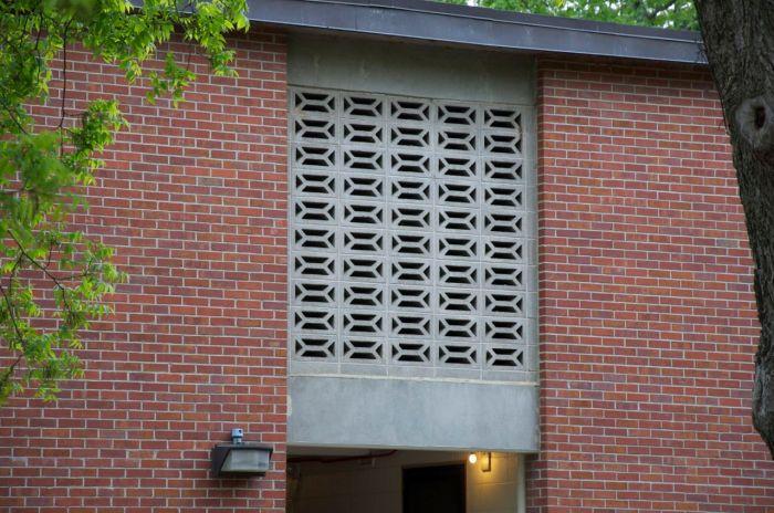 double y concrete block screen