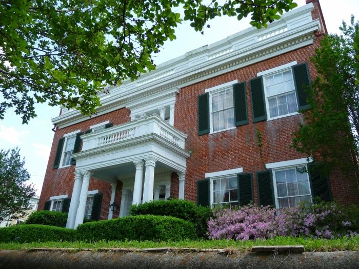 Balfour House, 1002 Crawford Street, Vicksburg (built c.1835)