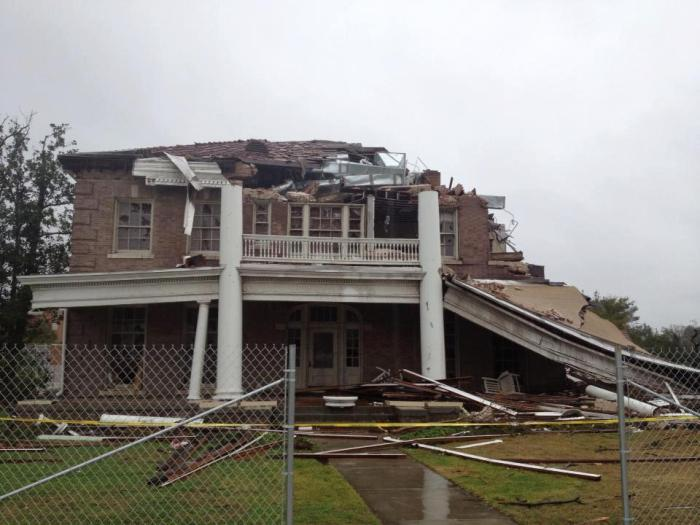 Ogletree (Alumni) House, USM, after February 2013 tornado. Photo courtesy MDAH, Historic Preservation Division.