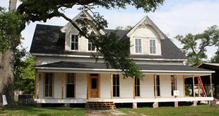 Krebs House Pascagoula, Jackson County. JRosenberg, MDAH 5-6-2009 from MDAH HRI accessed 4-1-2014