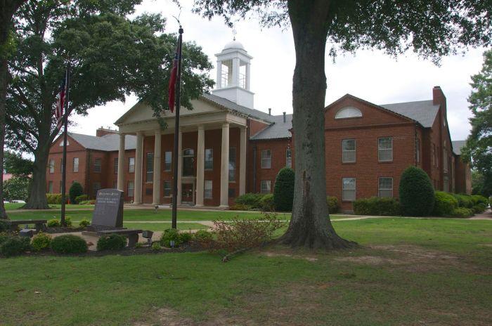 DeSoto County Courthouse