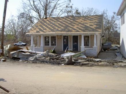 136 Main St., Bay St. Louis Hancock Co. MDAH 9-9-2005 from MDAH HRI db Accessed 8-13-2014