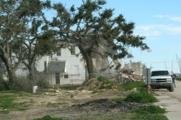 Demolition of 205 S. Beach Blvd., Bay St. Louis Hancock Co. JRosenberg, MDAH 1-31-2007 from MDAH HRI db Accessed 8-13-2014