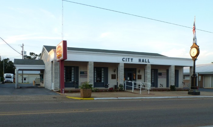 Lucedale City Hall