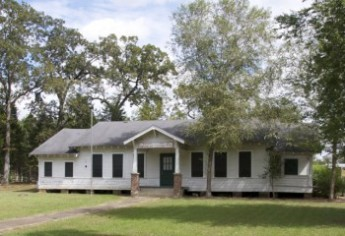 Macon Community House feature
