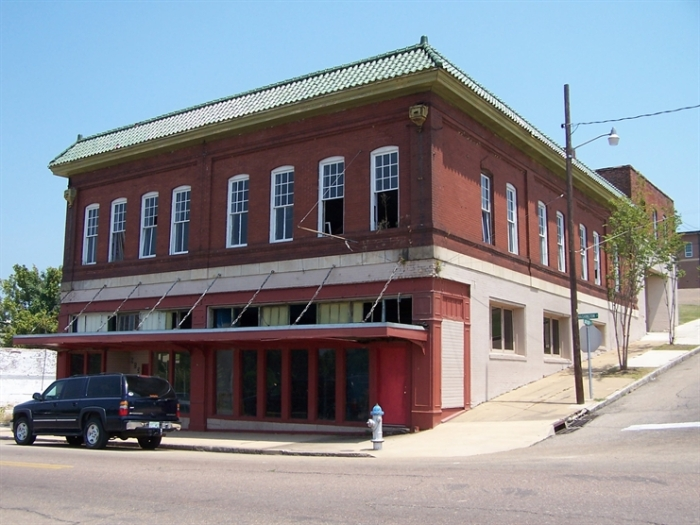 The building is locally significant as one of the first automobile dealerships in Vicksburg and as the first Studebaker and Packard dealer.  The building offers a transition in the history of transportation from carriage manufacturing and the need for blacksmithing to the first automobiles.  The period of significance extends from the construction date of 1905 to 1942 when the building no longer housed an automobile dealership.  Designated a Mississippi Landmark on April 25, 2014.