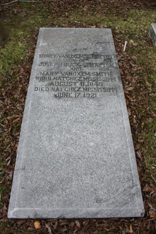 Sidney V. Stratton plot City Cemetery Natchez, Adams County photo by author 1-20-2012