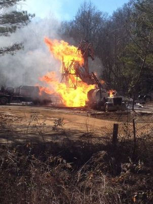 Smith County gas well fire, source MEMA. accessed 1/26/2015