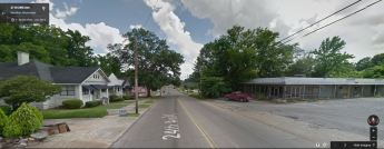 The proposed Family Dollar would be on the right in this Google Streetview image.