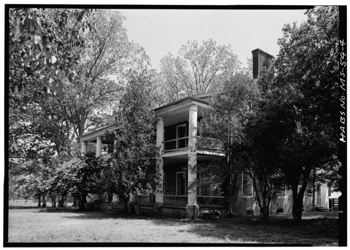 NORTH FRONT AND WEST SIDE. Springfield, U.S. Route 1, Natchez, Adams County, MS [Springfield is actually in Jefferson County, but is filed in Adams County in HABS]. Ralph Clynne, Photographer, March 29, 1934.