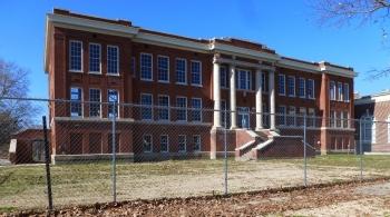 Greenville High School (built 1914, R.H. Hunt, archt.). Photo Jan. 2013.