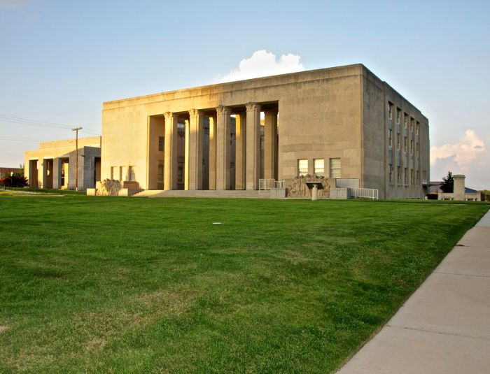 War Memorial Building front and side 2