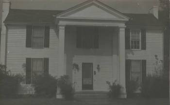 Graceland Too (Bryant House), Holly Springs, 1850s. Photo by Jack Baum, 1970s97