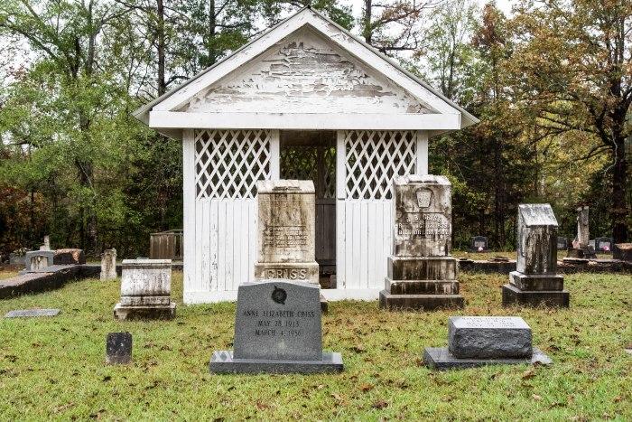 Criss gravehouse front elevation