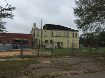 Damage Eaton School Hattiesburg, Nov. 2015