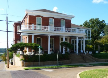 Bazsinsky House (c.1880), 1022 Monroe Street, Vicksburg
