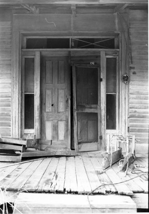 Donelson House, Front Entrance (MDAH Historic Resources Inventory photograph)