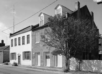 Johnson-McCallum Houses. Photograph by Jack E. Boucher, 1992 (HABS No. MS-270-2).