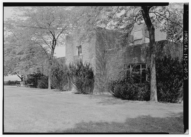 Rostone house