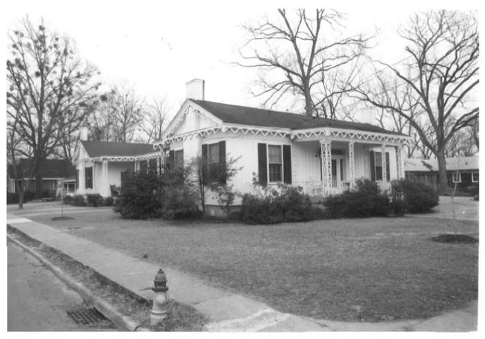 Richards House (Max Andrews House), 403 9th Street, South, South Columbus Historic District, Columbus - Kenneth P'Pool, MDAH, Photographer, February 1979
