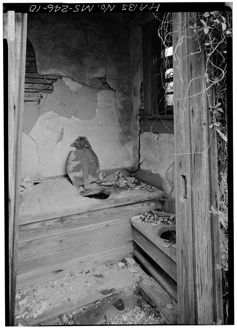 MS-246-1. Skipwith House, University of Mississippi, Outhouse, interior. March 1975, Jack E. Boucher, HABS Photographer.