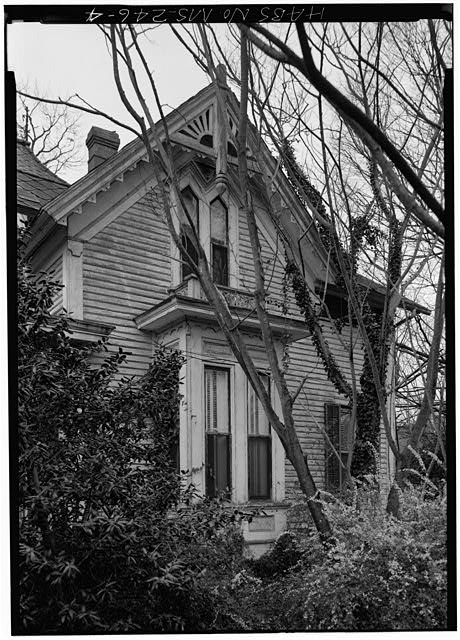 MS-246-1. Skipwith House, University of Mississippi, East Side. March 1975, Jack E. Boucher, HABS Photographer.