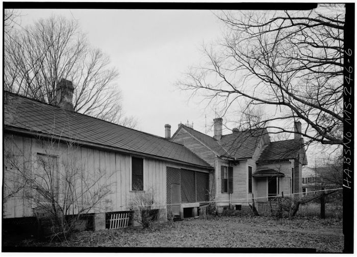 MS-246-1. Skipwith House, University of Mississippi, West Side from Northwest. March 1975, Jack E. Boucher, HABS Photographer.