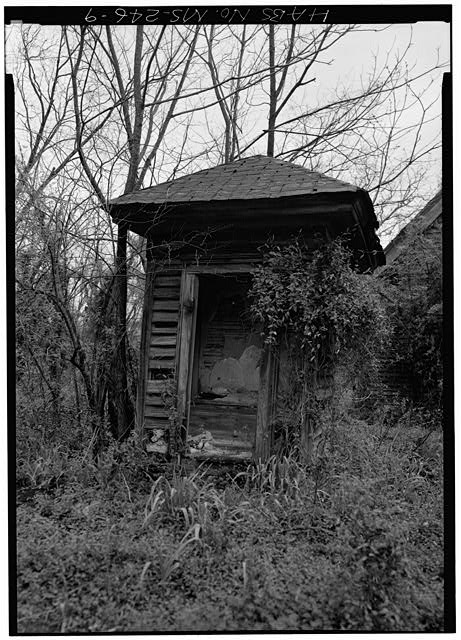 MS-246-1. Skipwith House, University of Mississippi, Outhouse, exterior. March 1975, Jack E. Boucher, HABS Photographer.