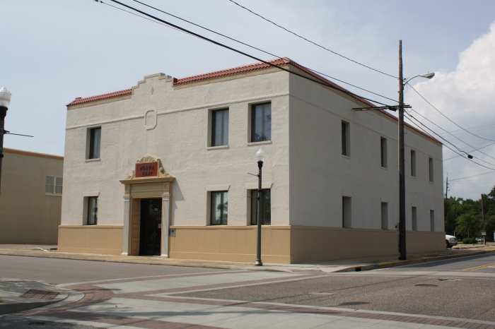 (Old) First National Bank Building [(old) Police Building] 535 Delmas Ave Pascagoula Jackson County JRosenberg MDAH 8-2-13 from MDAH HRI Accessed 4-1-16