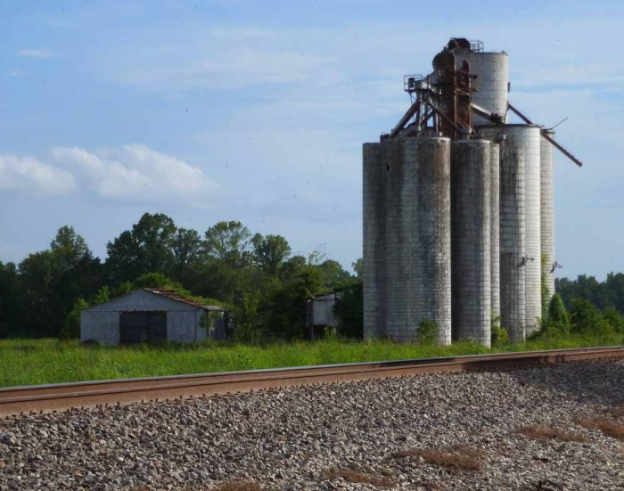 Concrete silos