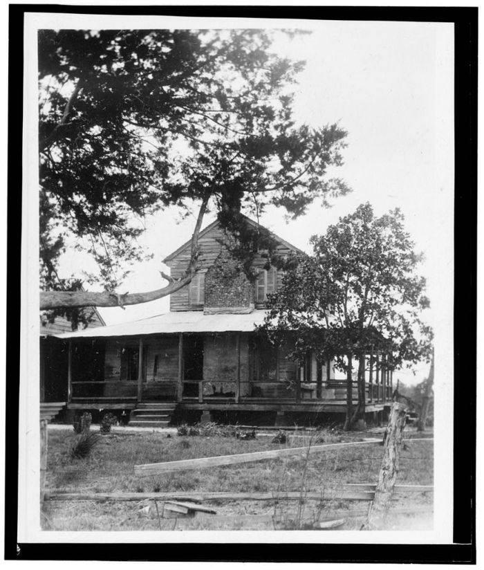 Perspective View. - Chaffin House & Barn, Liberty, Amite County, MS. James Butters, HABS photographer, April 4, 1936.