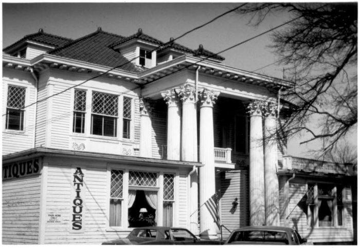 Merrill-Maley House in 1982.