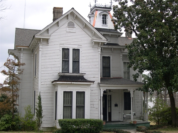 S.S. Finger House, Ripley (c.1884). Photo by David Preziosi, MHT. Downloaded from MDAH Historic Resources Database.