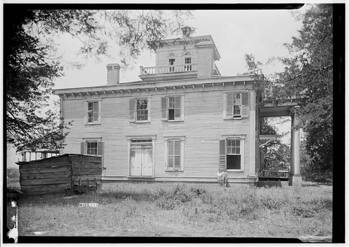 EAST ELEVATION - Dr. C. M. Vaiden House, Vaiden, Carroll County, MS. James Butters, Photographer, June 27, 1936.