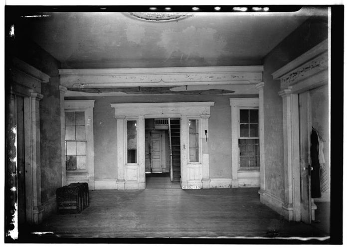 FRONT HALL (LOOKING SOUTH) - Dr. C. M. Vaiden House, Vaiden, Carroll County, MS. James Butters, Photographer June 27, 1936.