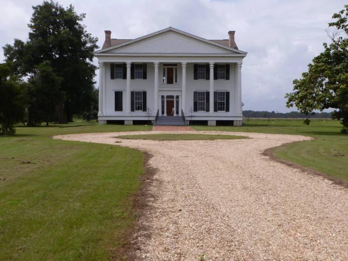 Burrus House, Benoit
