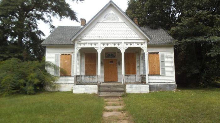 1677 Main St., Fayette