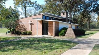 Faughn Chapel (1953). Photo by Justin Heskew, MDAH, 11-16-2015.