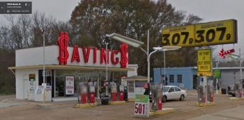 savings-service-station-n-gloster-tupelo-demolished-2014
