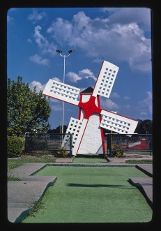 Windmill (Vertical), Jackson Golf World, Route 51 Jackson, MS 1986 Margolies, John, photographer